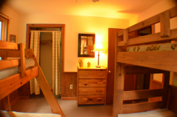 18-Laurel-Lodge-Room-2