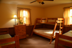 19-Laurel-Lodge-Room-7